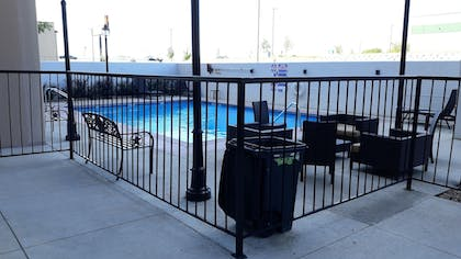 Outdoor Pool | Hotel Killeen East Central