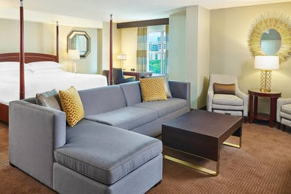 Guestroom | Sheraton Fort Worth Downtown Hotel