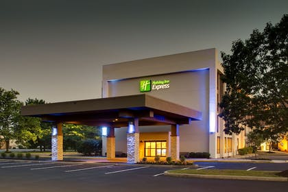 Front of Property - Evening/Night | Holiday Inn Express Voorhees - Mt. Laurel