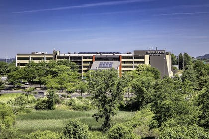 Exterior | DoubleTree by Hilton Hotel Pittsburgh - Cranberry