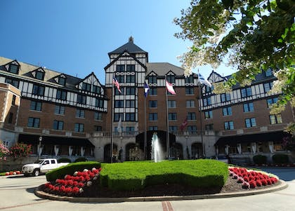 Hotel Front | The Hotel Roanoke & Conference Center, Curio Collection by Hilton
