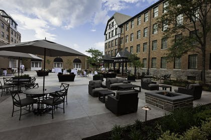 Courtyard | The Hotel Roanoke & Conference Center, Curio Collection by Hilton