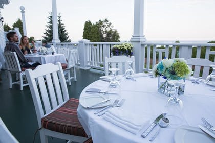 Outdoor Dining   Mission Point Resort