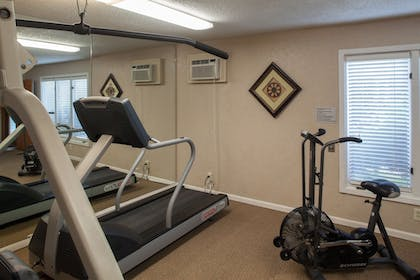 Fitness Facility | Cloverleaf Suites Lincoln Nebraska