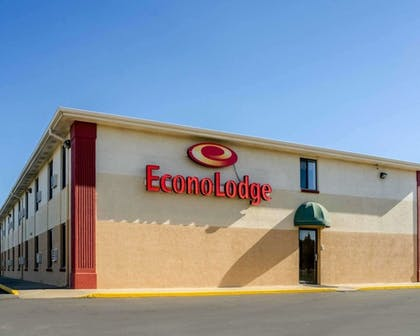 Featured Image   Econo Lodge Interstate 35 Exit 183