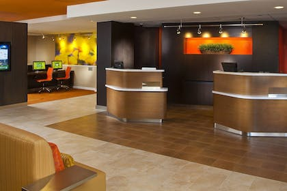 Hotel Interior | Courtyard by Marriott Memphis East/Park Avenue