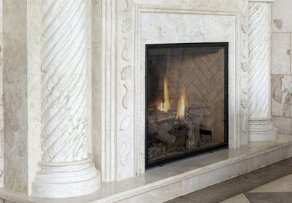 Fireplace | Holiday Inn : Bloomington W MSP Airport Area