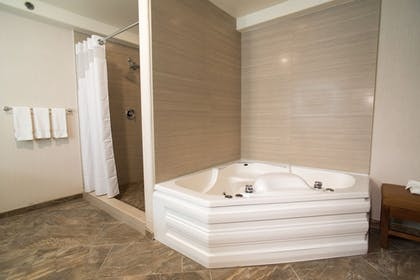 Jetted Tub | Holiday Inn Express South Lake Tahoe