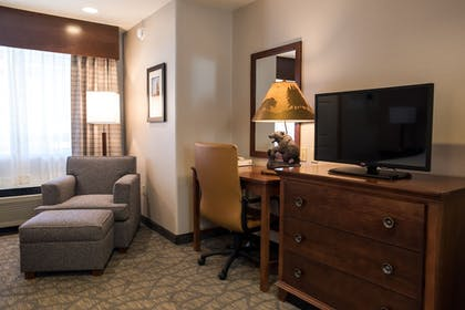 Living Area | Holiday Inn Express South Lake Tahoe