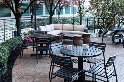 BBQ/Picnic Area | Residence Inn by Marriott Seattle Downtown/Lake Union