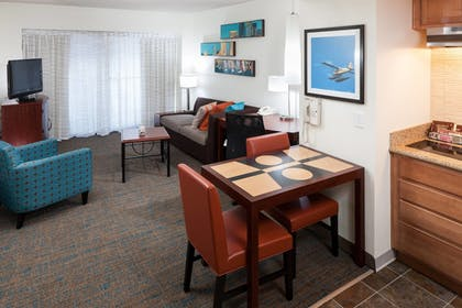 Living Area | Residence Inn by Marriott Seattle Downtown/Lake Union