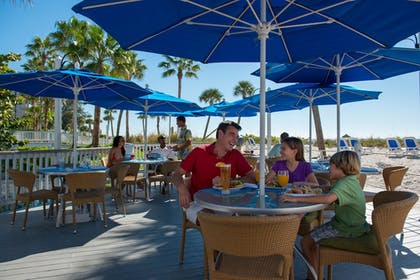 Family Dining | TradeWinds Island Grand