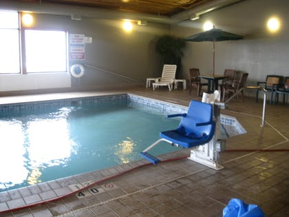 Indoor Pool | Econo Lodge Near Miller Hill Mall