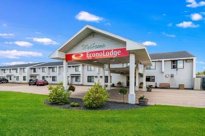 Featured Image | Econo Lodge Near Miller Hill Mall