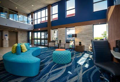 Lobby Lounge | Maplewood Suites Extended Stay- Syracuse/Airport