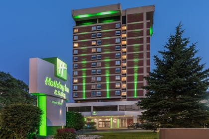 Featured Image | Holiday Inn & Suites Pittsfield-Berkshires