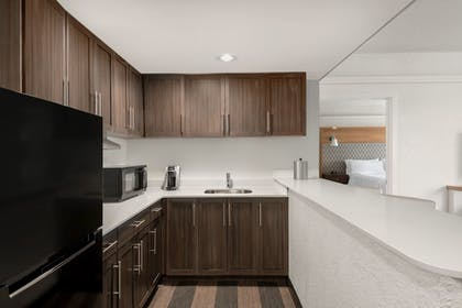 Private Kitchen | Holiday Inn & Suites Pittsfield-Berkshires