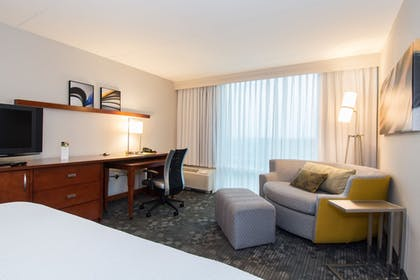 Living Area | Courtyard by Marriott Columbia Downtown at USC
