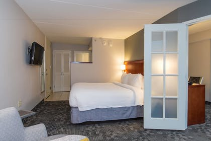 Guestroom | Courtyard by Marriott Columbia Downtown at USC