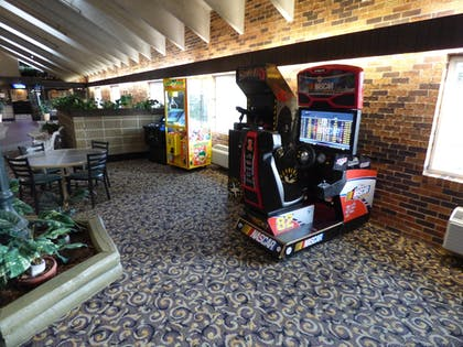 Game Room | Best Western Plus Longbranch Hotel & Convention Center