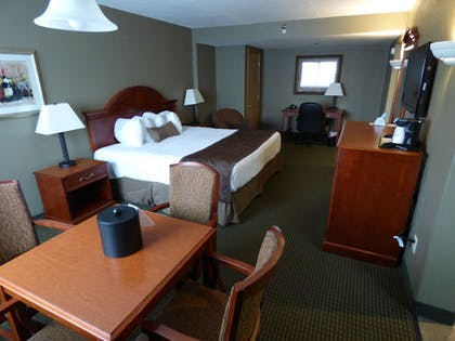 | Suite, 1 King Bed, Non Smoking, Hot Tub | Best Western Plus Longbranch Hotel & Convention Center