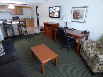 Guestroom | Best Western Plus Longbranch Hotel & Convention Center