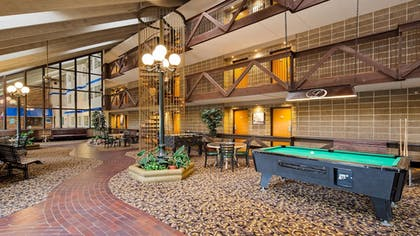 Lobby | Best Western Plus Longbranch Hotel & Convention Center