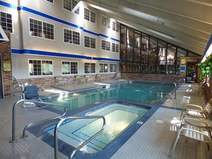 Pool | Best Western Plus Longbranch Hotel & Convention Center