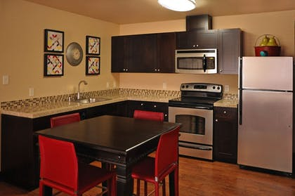 In-Room Kitchen | Oxford Suites Portland - Jantzen Beach