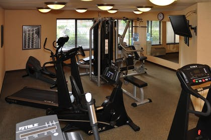 Fitness Facility | Oxford Suites Portland - Jantzen Beach