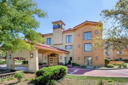 Featured Image | Days Inn & Suites by Wyndham Arlington Heights