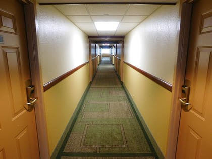 Hotel Interior | Days Inn & Suites by Wyndham Arlington Heights