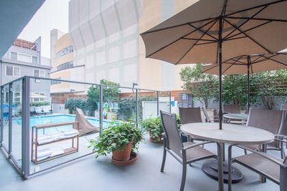 Terrace/Patio | Hollywood Orchid Suites