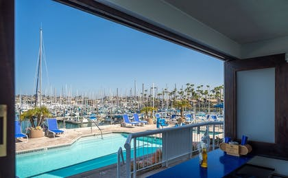 Poolside Bar | Bay Club Hotel & Marina