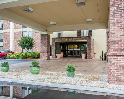 Featured Image | Comfort Inn Downtown