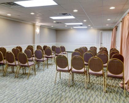 Meeting Facility   Clarion Inn & Suites Conference Center