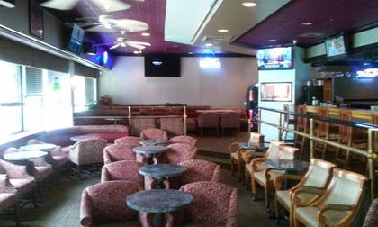 Sports Bar | Imperial Swan Hotel & Suites