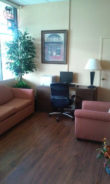 Business Center | Imperial Swan Hotel & Suites