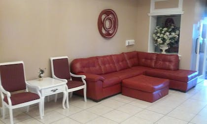 Lobby Sitting Area | Imperial Swan Hotel & Suites