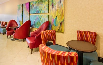 Lobby Sitting Area | CoCo Key Hotel and Water Resort-Orlando