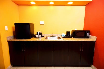 In-Room Kitchenette | CoCo Key Hotel and Water Resort-Orlando