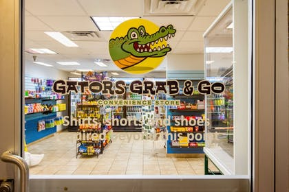 Gift Shop | CoCo Key Hotel and Water Resort-Orlando