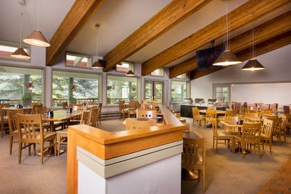 Cafe | Evergreen Lodge at Vail
