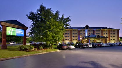 Hotel Front - Evening/Night | Holiday Inn Express Branson-Green Mountain Drive