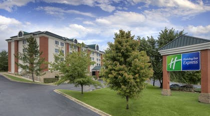 Featured Image | Holiday Inn Express Branson-Green Mountain Drive