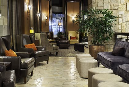 Lobby Sitting Area | Emily Morgan Hotel - A DoubleTree by Hilton Hotel