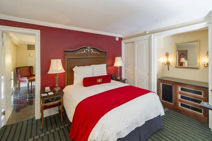 Guestroom | Bourbon Orleans Hotel