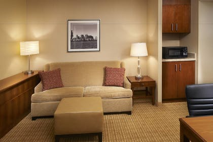 Guestroom | Courtyard by Marriott Chicago Downtown River North