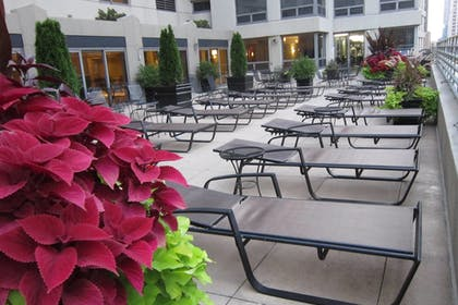 Miscellaneous | Courtyard by Marriott Chicago Downtown River North