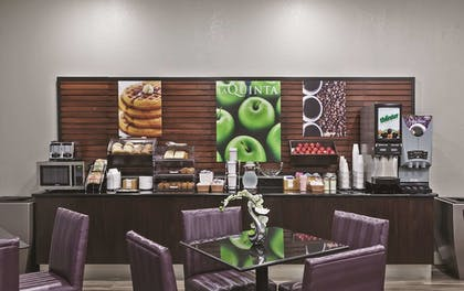 Breakfast Area | La Quinta Inn by Wyndham and Conference Center San Angelo